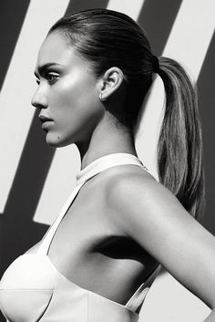 Actress Jessica Alba shows off a sleek ponytail hairstyle for Shape Magazine October 2016 issue Jessica Alba Sexy, Jessica Alba Pictures, Jessica Alba Style, Jessica Alba Makeup, Meagan Good, Actress Jessica, Sleek Ponytail, Shape Magazine, Wedding Humor