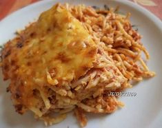 Kétsajtos-húsos spagetti egyszerűen Lasagna, Spagetti, Macaroni And Cheese, Ethnic Recipes, Food, Lasagne, Mac And Cheese, Meal, Eten