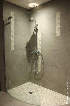 salle de bain on pinterest bathroom bathroom furniture. Black Bedroom Furniture Sets. Home Design Ideas