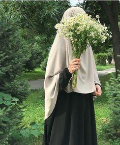 Muslim Women Fashion, Islamic Fashion, Mode Abaya, Mode Hijab, Beautiful Muslim Women, Beautiful Hijab, Hijabi Girl, Girl Hijab, Hijab Hipster