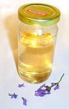 Himmlische Süßigkeiten: Lavendelsirup für Pralinen ohne Zitronensäure
