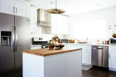 Pretty Pendant - The Best Kitchens We Saw All Year - Photos