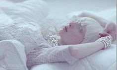 白雪精靈 Nastya Zhidkova清新脫俗的白子模特兒 - LaVie 設計美學家