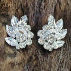 Here is a stunning pair of Vintage 1950's EISENBERG Clear Crystal Rhinestone…