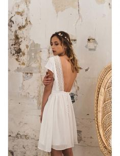 Short wedding dress inspiration for Magpie Wedding's creative and quirky brides. Civil Wedding Dresses, Wedding Dresses Plus Size, Boho Wedding Dress, Boho Dress, Sweetheart Gowns, Estilo Boho, Girly Outfits, Hippie Outfits, Short Dresses
