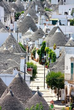 Alberobello's Trulli, Italy woah this looks like a cut and paste graphic
