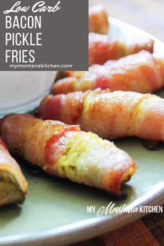 These Bacon Pickle Fries make a perfect party appetizer, snack, or side dish to a meal. This recipe is low carb and a Trim Healthy Mama S Fuel. Best Low Carb Recipes, Low Sugar Recipes, Keto Recipes, Low Carb Appetizers, Low Carb Desserts, Appetizers For Party, Keto Diet Book, Low Carb Diet, Keto Carbs