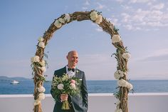 Dreamy wedding overlooking the sea Wedding First Look, Civil Wedding, Most Beautiful, Wedding Decorations, In This Moment, Stylish, Frame, Inspiration, Photos