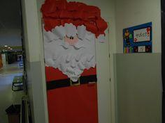 Puerta de aula decorada como Papá Noel de mi compi Madi. FABULOSO!