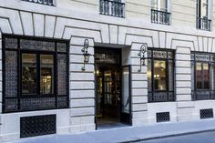 Official Hotel La tamise website, a member of Esprit de France, a collection of hotels and residences rich in art and history.