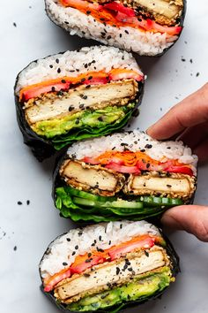 Sesame tofu onigirazu - Lazy Cat Kitchen Tofu onigirazu is an exteremely satisfying sushi sandwich. It's packed with flavour, it's naturally gluten-free and full of plant protein. Hamburger Au Foie Gras, Quick Pickled Radishes, Sushi Sandwich, Sushi Rolls, Manger Healthy, Asian Recipes, Healthy Recipes, Indonesian Recipes, Sushi Recipes