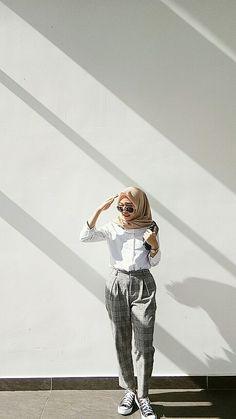 hijab outfit inspiration for teenager Hijab Style, Casual Hijab Outfit, Ootd Hijab, Hijab Chic, Casual Outfits, Classy Outfits, Modern Hijab Fashion, Muslim Fashion, Look Fashion