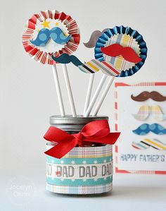 Treat container for Dad by Jocelyn Olson for #PaperSmooches