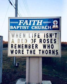 Church Sign Sayings, Funny Church Signs, Church Humor, Funny Signs, Christian Humor, Christian Faith, Christian Quotes, Christian Signs, Faith Prayer