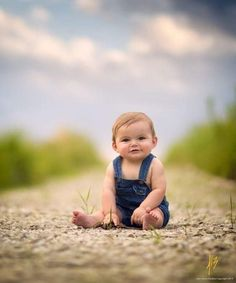 Best 3 Month Old Baby Pictures Boy Fall Ideas 6 Month Baby Picture Ideas Boy, 3 Month Old Baby Pictures, Family Photos With Baby, Milestone Pictures, Baby Boy Pictures, Outdoor Baby Pictures, 7 Month Old Baby, Kids Photography Boys, Outdoor Baby Photography
