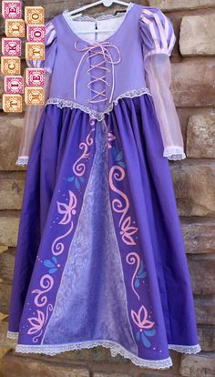 """Rapunzel costume - I like the hand painted """"embroidery"""" - Amazing Share Dress Up Outfits, Dress Up Costumes, Disney Costumes, Disney Outfits, Girl Costumes, Cosplay Costumes, Kids Outfits, Fashion Outfits, Tangled Costume"""
