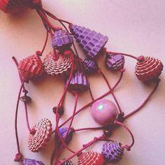 Creare con la carta.... Collana Viola e rosa Codice P1