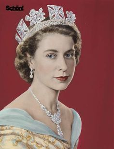 Danielle Dzumaga - The Many faces of Elizabeth II