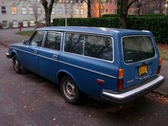 """1979 Volvo 245 Wagon.  Previous owners had named it """"Betsy"""""""