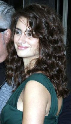 penelope cruz curly hair - Google Search