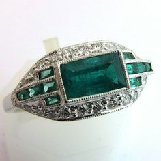 Bague platine émeraude www.bijoux-bijouterie.com #bijou #emeraude Art Deco Jewelry, Or, Cuff Bracelets, Emerald Rings, Crystals, French, Vintage, Luxury Jewelry, Nice Jewelry