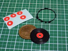 How to make of [miniature accessories] phonograph record. Use Google translator.