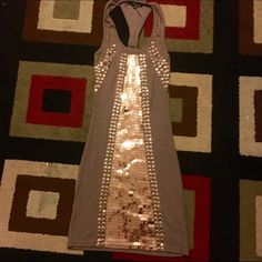•Dress • Dress decorated in very good condition for skinn y women (s) Dresses Midi