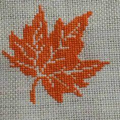 Fall Cross Stitch, Cross Stitch Flowers, Cross Stitch Patterns, Needlework, Diy And Crafts, Kids Rugs, Knitting, Sewing, Mini