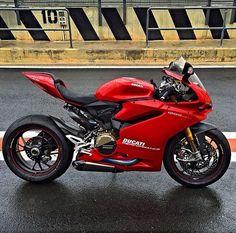 People don't appreciate bikes these days. Ducati Motorcycles, Suzuki Motorcycle, Moto Bike, Cars And Motorcycles, Yamaha, Custom Cycles, Custom Bikes, Super Bikes, Street Bikes
