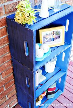 Cute DIY Crate Bookshelf at www.thebensonstreet.com #crate #diy #bookcase