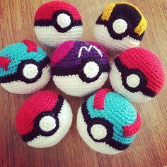 Great ball Pokeball free crochet amigurumi tutorial and pattern - Superball Pokeball modèlegratuit et tutorial decrochet amigurumiGood trainers wil