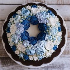 Ivenoven designer! Chocolate bundt cake with expertly detailed vanilla buttercream florals. Enjoy RushWorld boards, WEDDING CAKES WE DO, FANCY DESSERT RECIPES YOU CAN DO THIS, MOOD BUSTER FEEL BETTER NOW and DOGS DRIVING CARS. See you at RushWorld! New content daily.