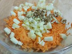 Receta de Ensalada de zanahoria y manzana - Paso 4 Fresco, Grains, Rice, Food, Carrot Salad Recipes, Squeezed Lemon, Easy Meals, Dressings, Juicing