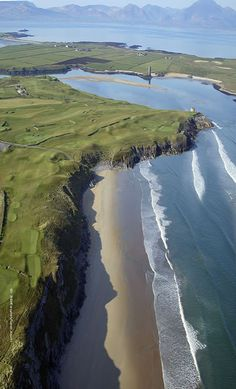 #Tralee #Golf Club, designed and built by Arnold Palmer, is in County Kerry, southwestern Ireland.