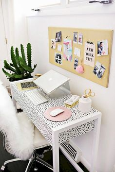 You won't mind getting work done with a home office like one of these. See these 20 inspiring photos for the best decorating and office design ideas for your home office, office furniture, home office ideas Mesa Home Office, Home Office Space, Home Office Desks, Workspace Desk, Desk Space, Small Office, Office Lounge, Desk Areas, White Office