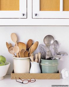 Golden Rules of Kitchen Organization  -- creamofwheat.com #creamofwheat #kitchen #organization