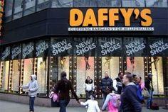 DAFFY'S: Outlet: Tienen establecimientos en todos los barrios de la ciudad y es una mina para los buscadores de gangas más expertos. Se parece a la bolsa de New York: El precio y la calidad de sus productos depende del día de la suerte. Incluso los menos afortunados podrán comprar abrigos de lana y cachimira, zapatos de conocidas marcas y ropa a unos precios accequibles. No hay que perderse su sección de gorros y sombreros y la de abrigos. Dirección: 125 E 57th St, cerca de Lexington Ave.