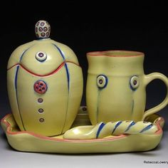 Yellow Sugar and creamer set with it's own little spoon and tray. #sugarandcream #sugarjar #teatime☕️ #pottery #potsinaction #pia #newwork #nw #ceramics #keramik