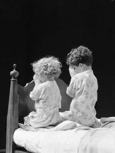 Teach them from infancy and they will grow up the way. ❦ Bedtime prayers, H. Children have the most unbelievable faith, it's inspiring ! Precious Children, Beautiful Children, Little People, Little Ones, Cute Kids, Cute Babies, Bedtime Prayer, Jesus Christus, Finding Neverland