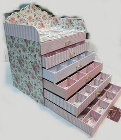 Diy Cardboard Furniture, Cardboard Crafts, Wooden Crafts, Diy Furniture, Carton Diy, Diy Desktop, Sewing Box, Diy Box, Craft Storage