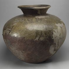 Large jar, late Kofun or Asuka period (ca. century Japan Stoneware with natural ash glaze and comb and cord markings (Sue ware) Japanese Pottery, Japanese Art, Japanese History, Japan Crafts, Art Through The Ages, Pottery Marks, Jar Storage, Porcelain Vase, Metropolitan Museum
