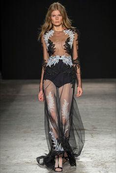 Sfilata Francesco Scognamiglio Milano - Collezioni Primavera Estate 2015 - Vogue