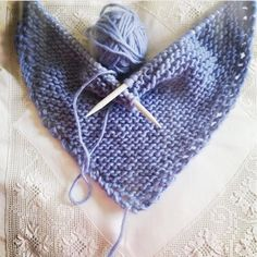 2012 work in progress: Scialle ai ferri facile facile. Tapestry Crochet, Knit Crochet, Cowl Scarf, Poncho, Knitted Shawls, Baby Knitting, Needlework, My Style, Handmade