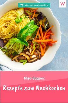 Sie sehen toll aus, sättigen lange und sind ganz schnell gemacht: Miso-Suppen! Um sie jetzt jederzeit genießen zu können, haben wir drei tolle Rezepte für dich. Drei Mal Miso-Suppe anders, aber immer schnell gemacht. Viel Spaß beim Nachkochen. Japchae, Ethnic Recipes, Food, Sad Day, Miso Recipe, Chef Recipes, Essen, Meals, Yemek
