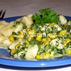 Bramborové noky s kuřecím a špenátem Gnocchi, Sprouts, Potato Salad, Mashed Potatoes, Pasta, Treats, Vegetables, Ethnic Recipes, Food