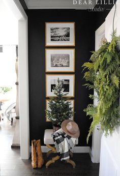 2019 Holiday Housewalk - Dear Lillie Studio - Home deco - 2019 Holiday Housewalk - Liebes Lillie Studio - Home Deco - geehrter Dear Lillie, Christmas Bedroom, Apartment Christmas, Christmas 2019, Christmas Holidays, Home Decor Inspiration, Decor Ideas, Wall Ideas, Hallway Inspiration