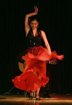 Baile Flamenco, Típico español. Alquiler de Coches en España http://www.reservasdecoches.com