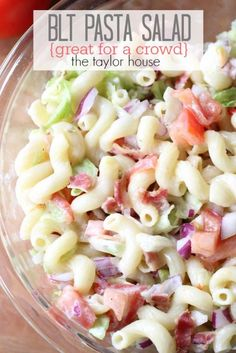 Pasta Salad (Perfect for a Crowd) Delicious and Easy to make BLT Pasta Salad that's perfect for a crowd!Delicious and Easy to make BLT Pasta Salad that's perfect for a crowd! Potluck Recipes, Side Dish Recipes, Summer Recipes, Cooking Recipes, Bacon Recipes, Blt Pasta Salads, Pasta Salad Recipes, Blt Salad, Cooking For A Crowd
