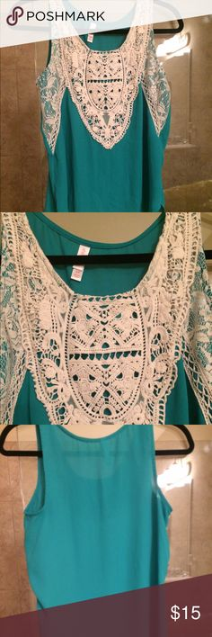 ⚡️flash sale $14🌻just in Xhileration lace top Beautiful crochet lace inserts , Jewel necklace , sleeveless, green top by Xhileration. EUC, pull over style, slightly loose fitting, pullover style, very soft , delicate cycle air dri to keep lace perfect, S/P Xhilaration Tops Blouses