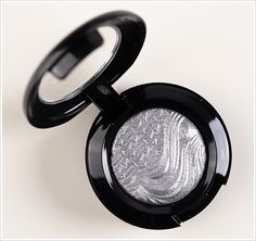 MAC Glamour Daze Extra Dimension Eyeshadow GreyExtra